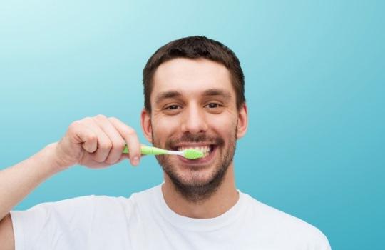 Tips Perawatan Menghilangkan Karang Gigi secara Alami dan Mudah Dilakukan